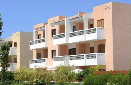 2 and 3-bedroom apartments in Georgos Complex