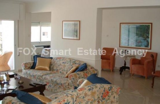 3-bedroom top floor apartment with nice view in Neapolis